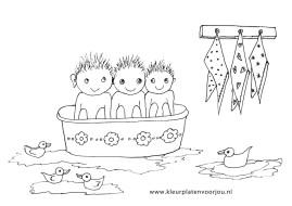 kleurplaten kinderen-in-bad